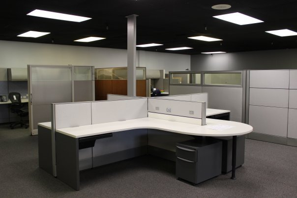 Pole Based Cubicles : Used office cubicles pre owned